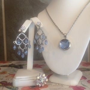 Light blue and pink earring and necklace set